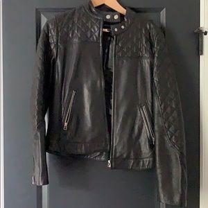Moda international genuine leather jacket